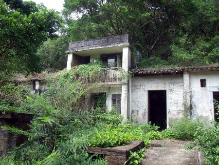 Abandoned house at Yung Shue Au